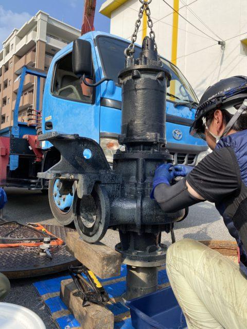 岡崎某所 雨水ポンプ、汚水ポンプ引揚げ分解点検、オイル交換